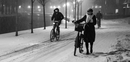 Trying to get home safely this winters night (night in the city)
