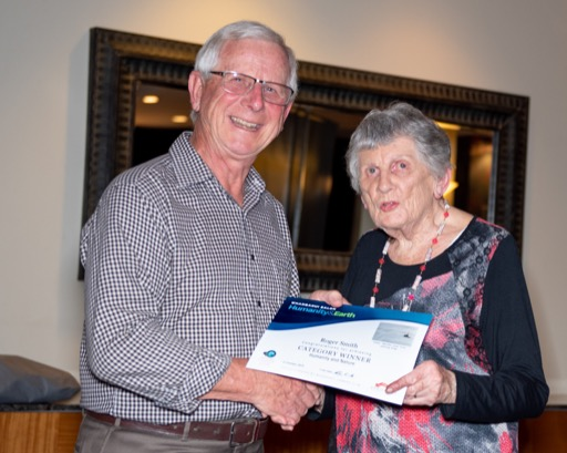 Vonnie Cave and category winner Roger Smith
